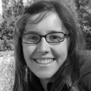 Nina Yacher - Columnista